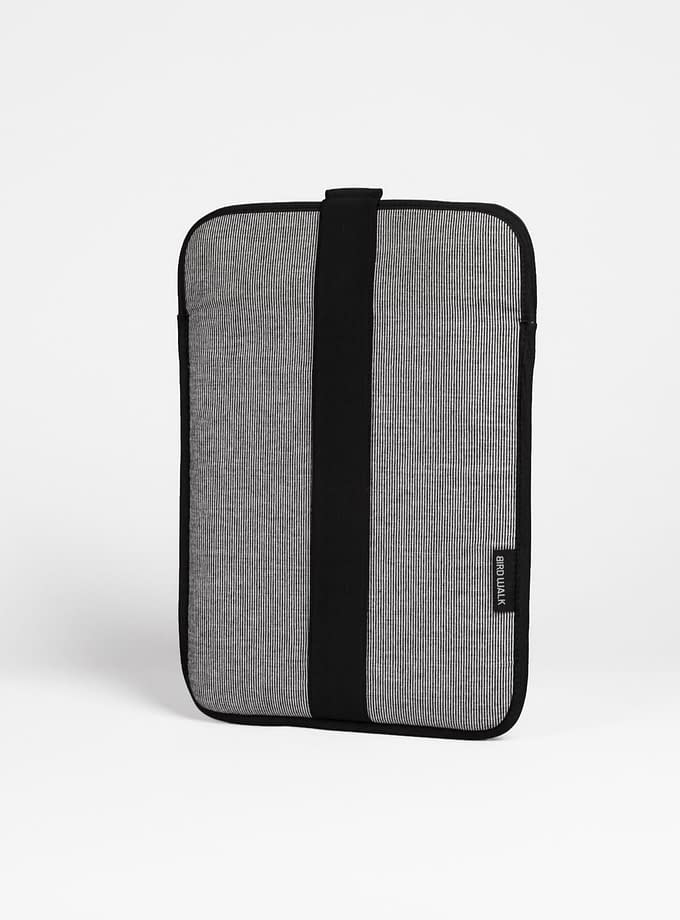 vegan sustainable laptop sleeve 13 inch made in Portugal