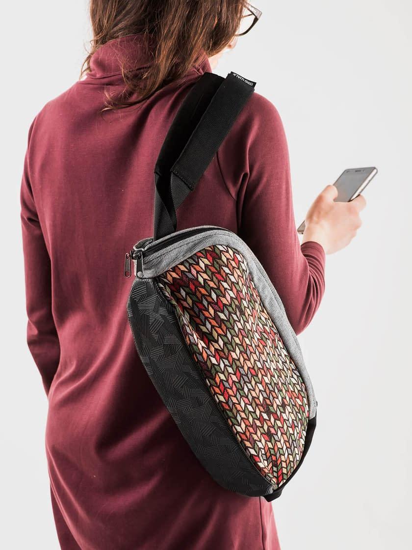 bolsa de ombro vegan conversível em mochila feita em Portugal